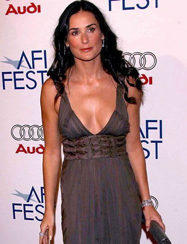 V Body Shape - Demi Moore - or inverted triangel body shape