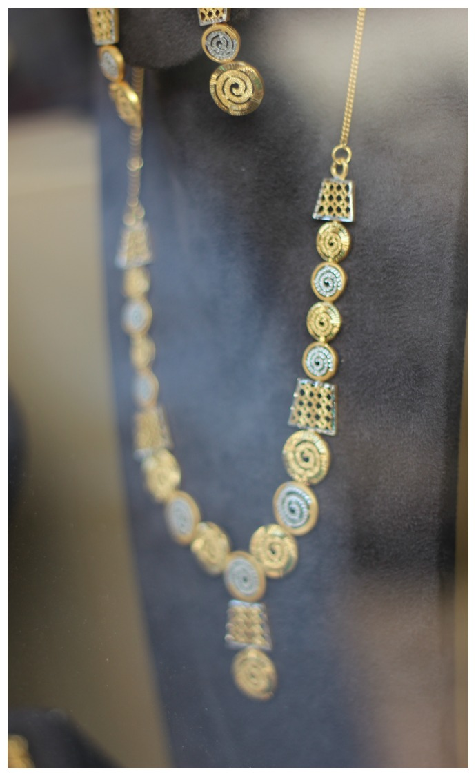 gold jewellery meena bazaar Dubai