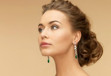 Choosing earrings for your triangle or pear shape face