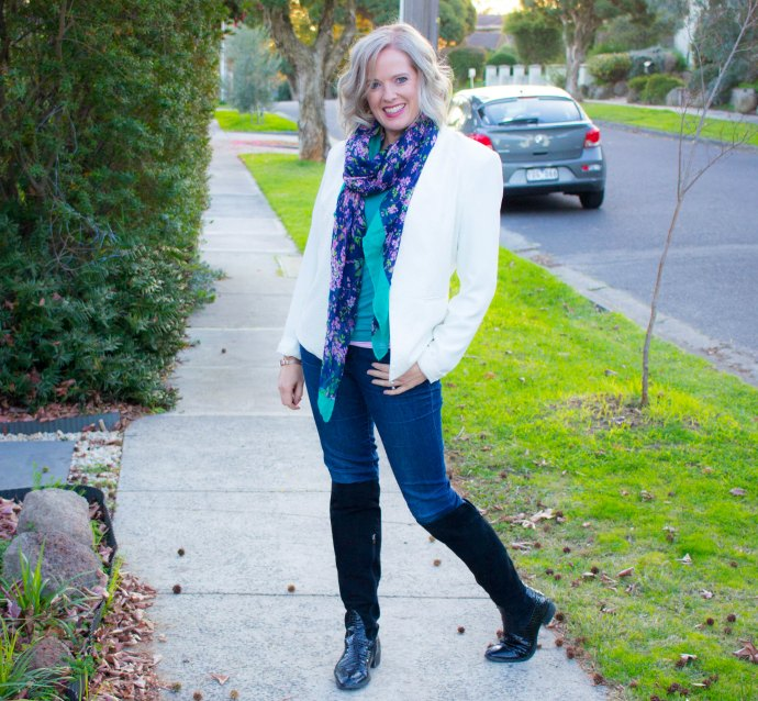 Adding scarves to your winter outfit - tips and tricks from a personal stylist