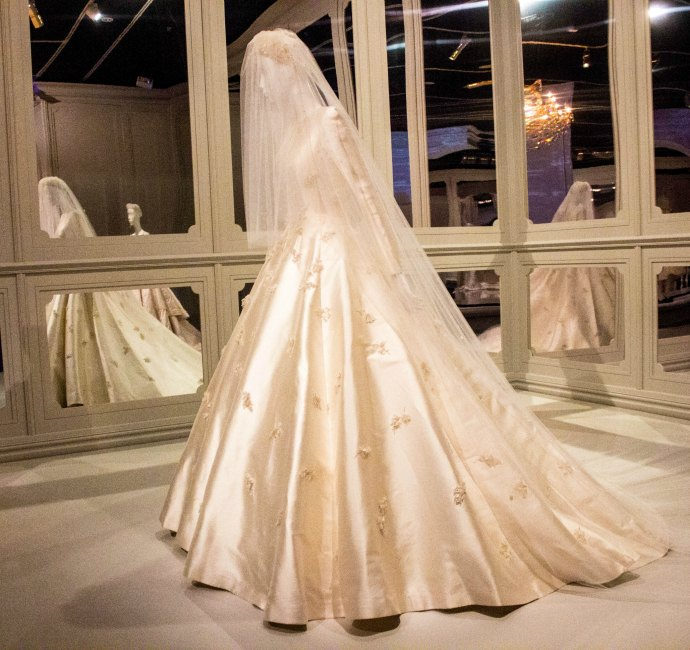 Miranda Kerr Wedding Dress.Miranda Kerr S Dior Wedding Dress Ngv Inside Out Style