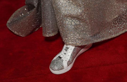 Amanda Keller wears Bared sneakers to the Logies 2019